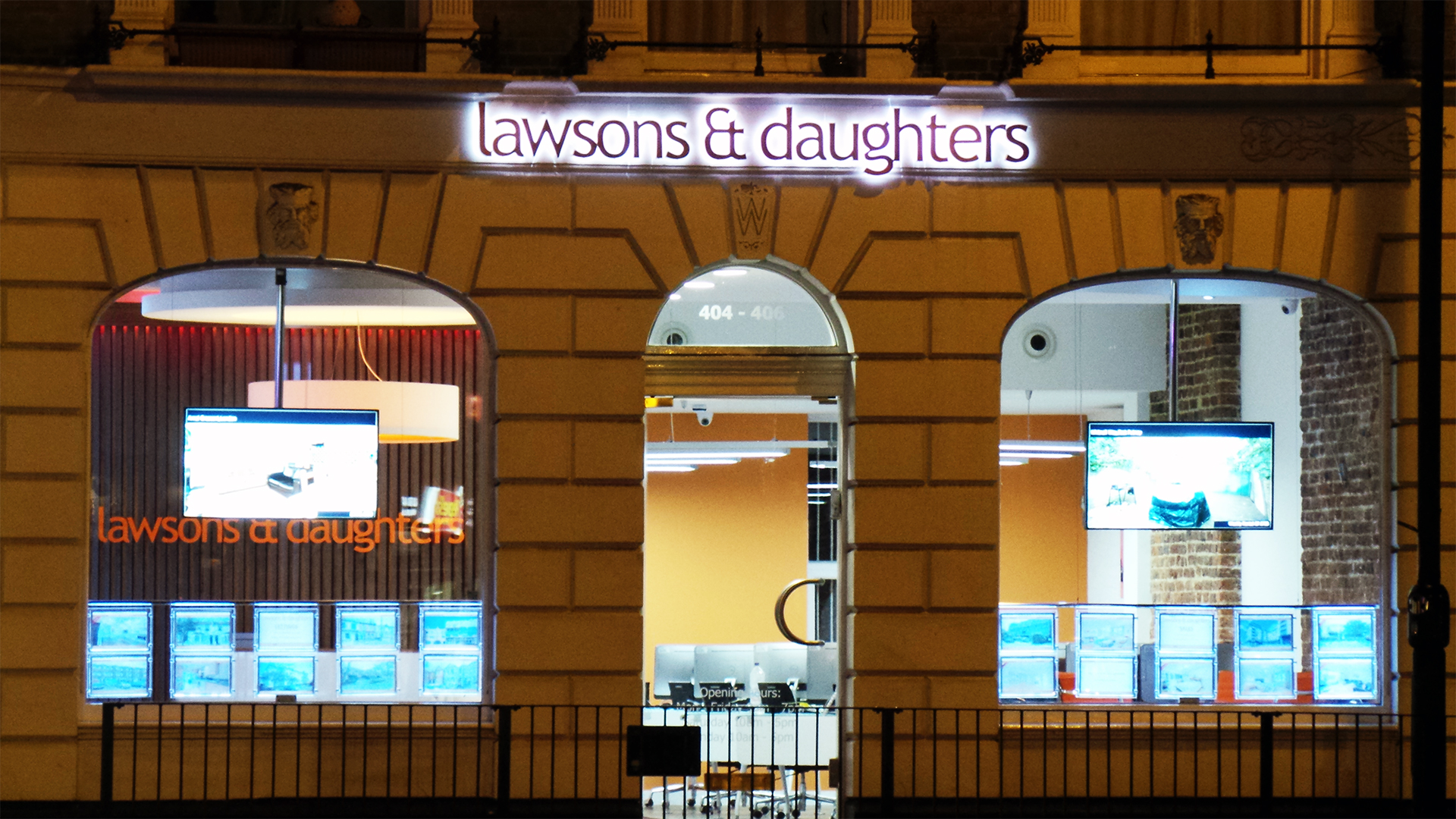 illuminated-signs-london-lawsons-1